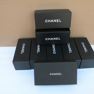 8 CHANEL SUNGLASSES PAPER BOX